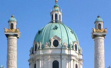 Vergoldung der Adler auf den Säulen der Karlskirche