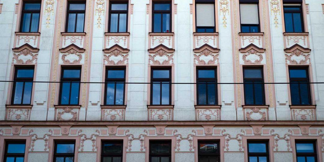 Vergoldung der Fassaden Ornamente