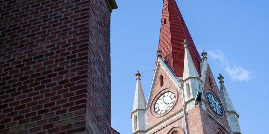 Vergoldung der Kirchturmbekrönung