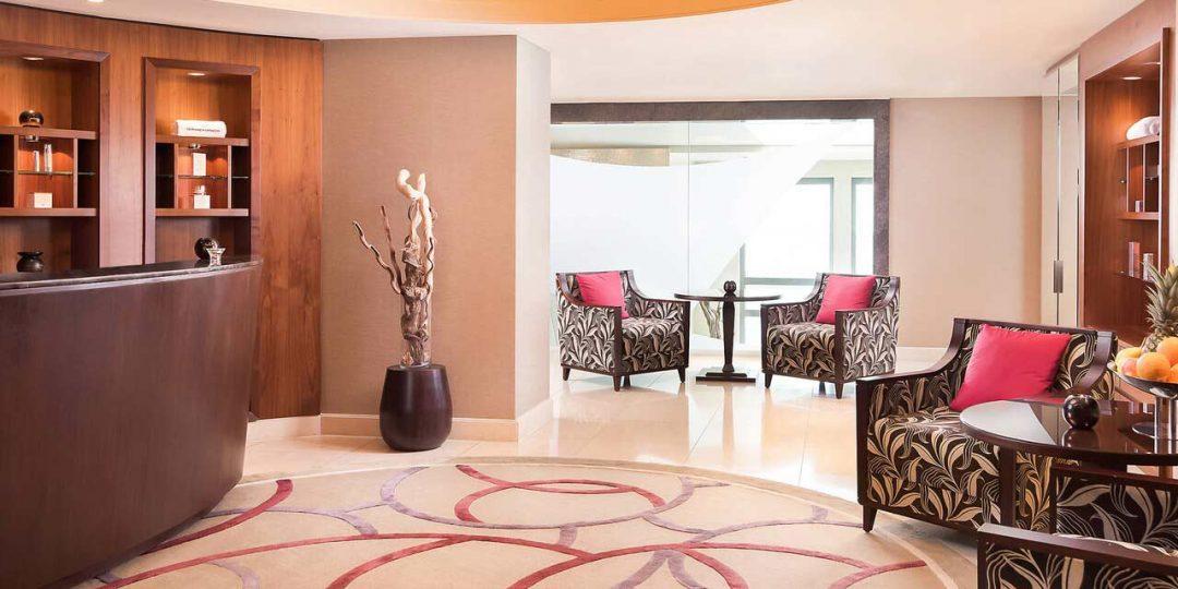 Vergoldung von Deckenfeldern in der Lobby, Spa Rezeption und Suiten